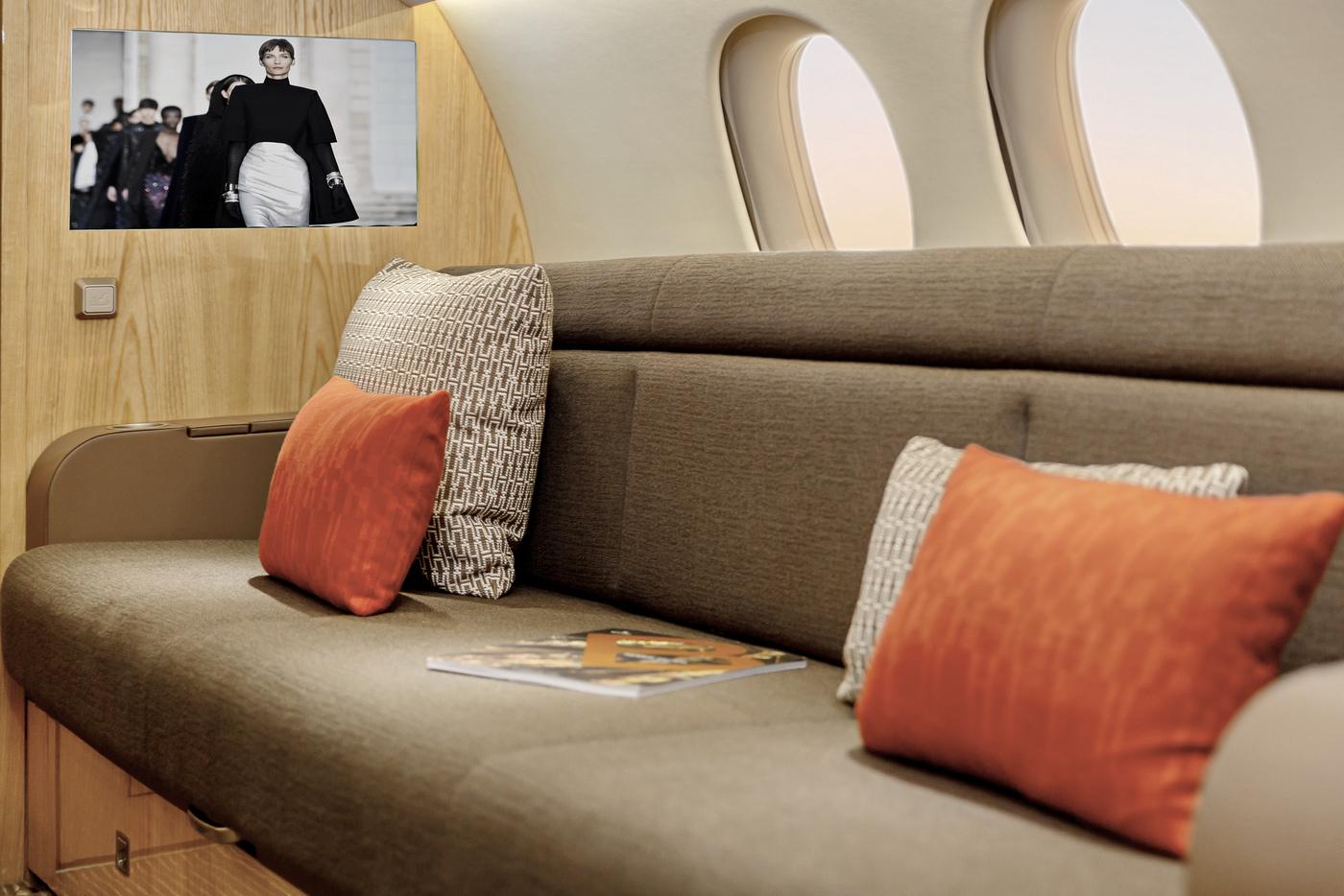 LX-LXL-couch-details