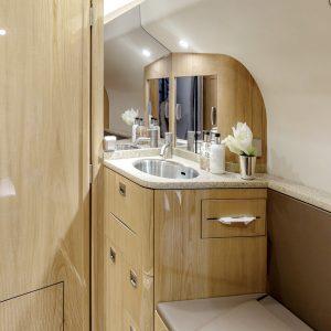 LX-LXL-toilet-plane
